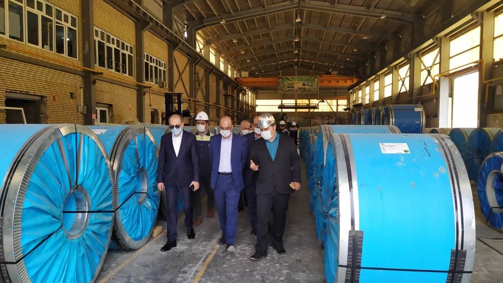 حمایت بانک تجارت از صنعت فولاد استان قم